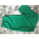 Thời trang trẻ em : Quần áo dài màu xanh lá